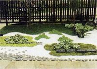 多様な形を持つ瓦と植物で創る瓦絵