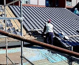 新宿区某寺 | 屋根葺替え、露寄けカバー、目地処理、ガラス断熱コート等サムネイル